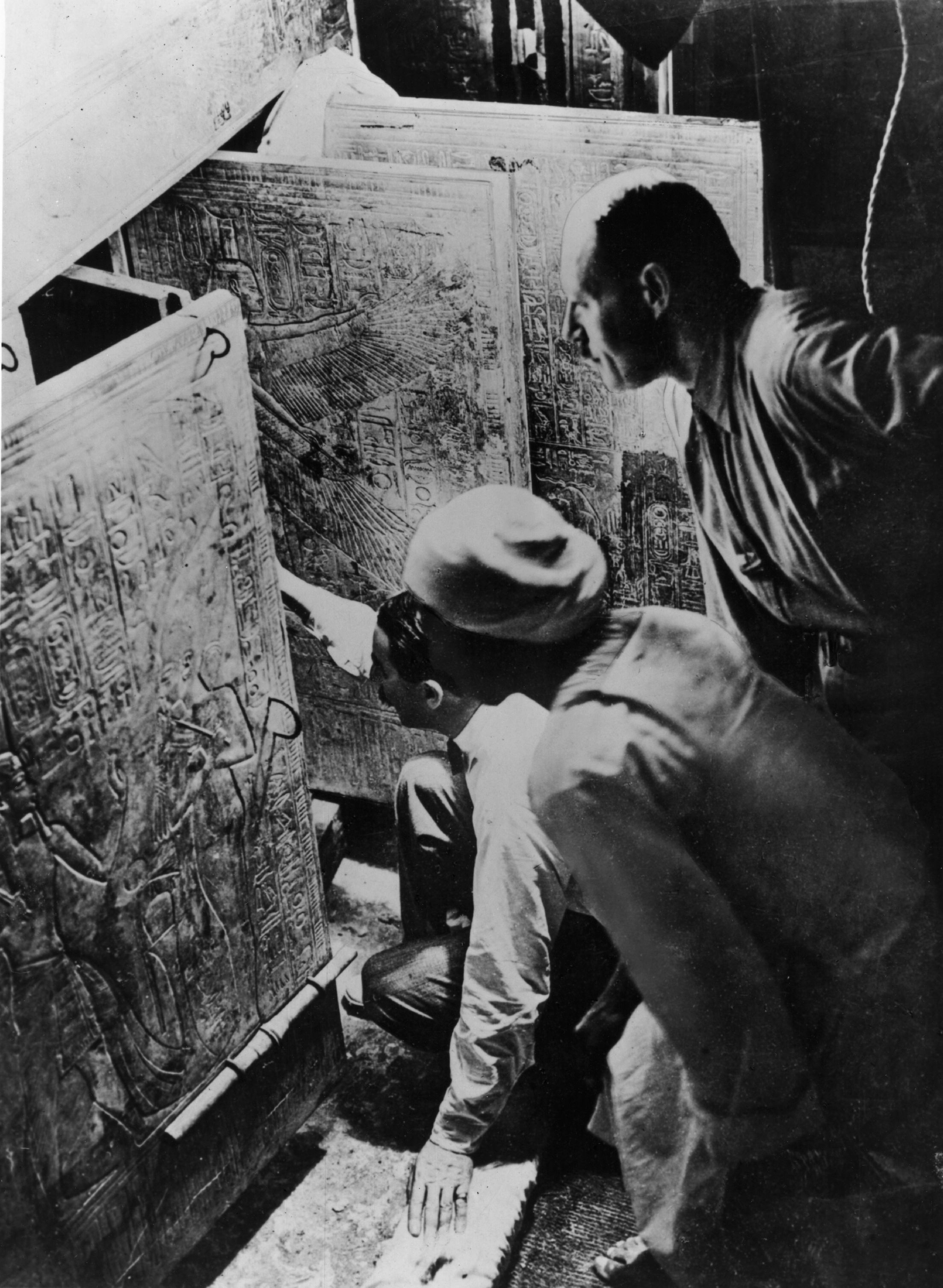 "King Tut Tomb Discovery: Afflictor.com · Old Print Article: ""Times Man Views"