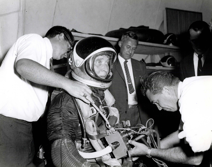 DR. WERNHER VON BRAUN SUITED UP IN SPACE SUIT PRIOR TO ENTERING MARSHALL SPACE FLIGHT CENTER'S NEUTRAL BUOYANCY SIMULATOR. 1967