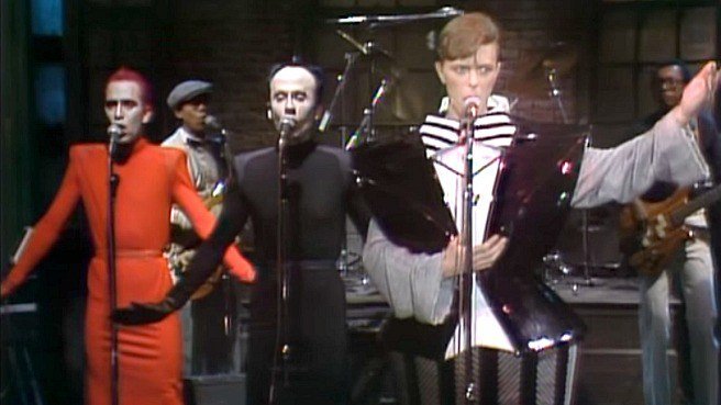 david-bowie-snl-man-who-sold-the-earth-video