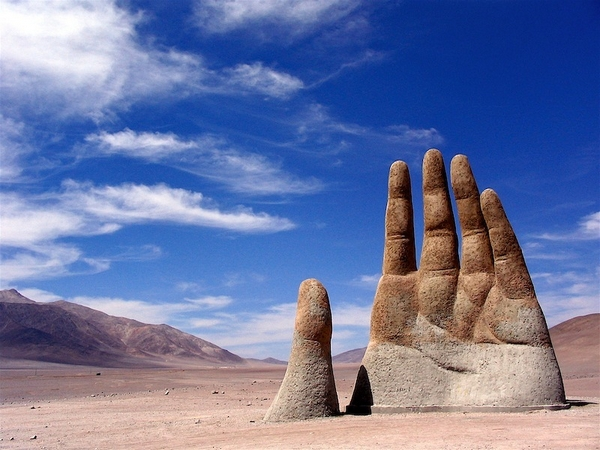 the-Hand-of-the-Desert-6