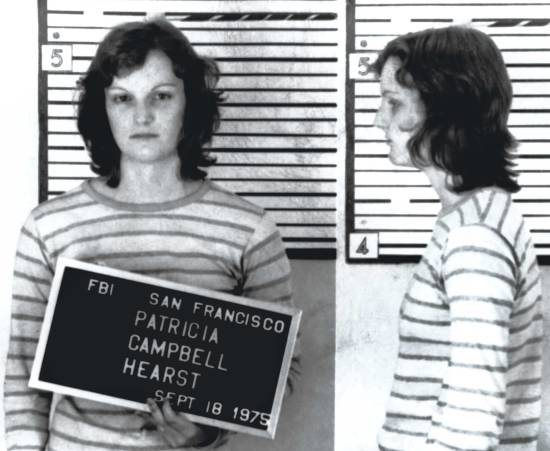 patty-hearst-american-heiress-the-wild-saga-of-the-kidnapping-crimes-and-trial-of-patty-hearts-jeffrey-toobin-book-seventies-cri