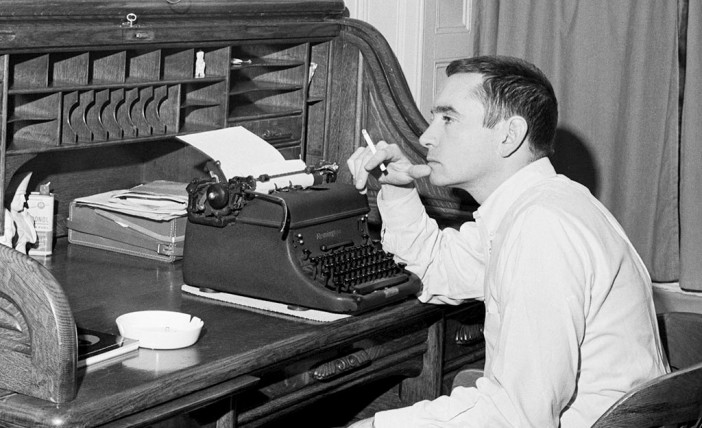 edward_albee_writing_new_york_corbis_be061295_lqhh1x-1