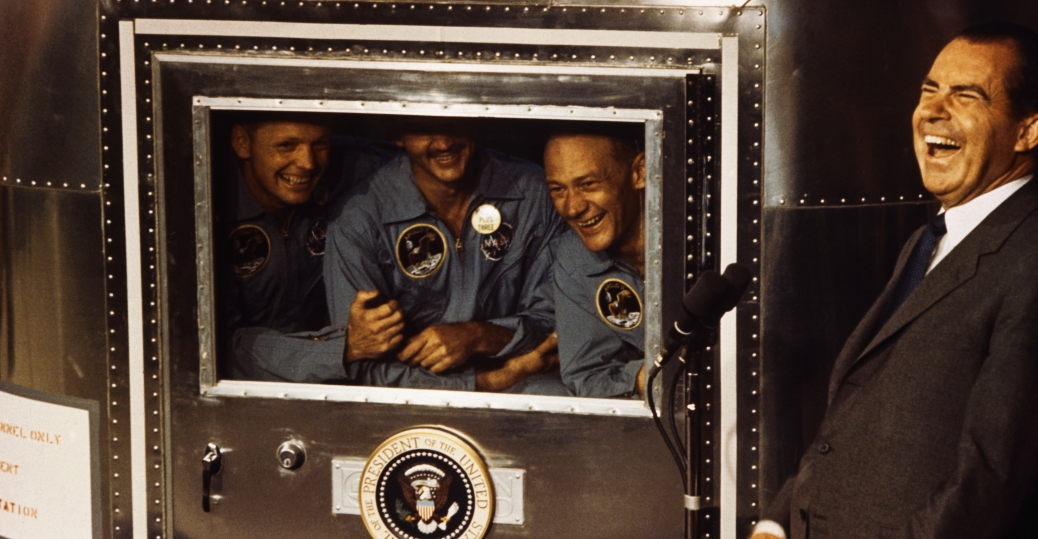 nixon-laughing-with-astronauts-p