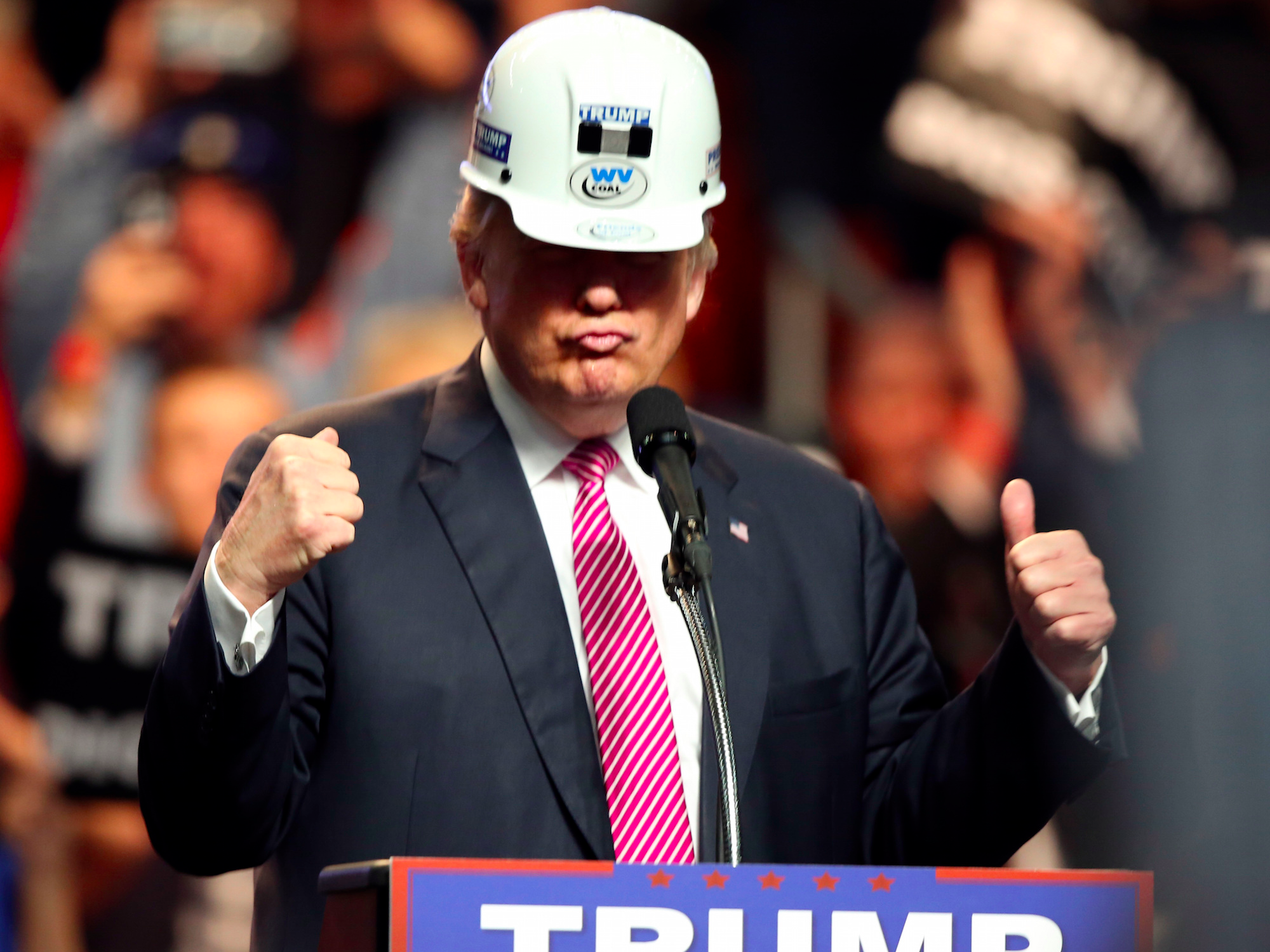 trump-cant-create-manufacturing-jobs-but-he-can-bring-back-construction