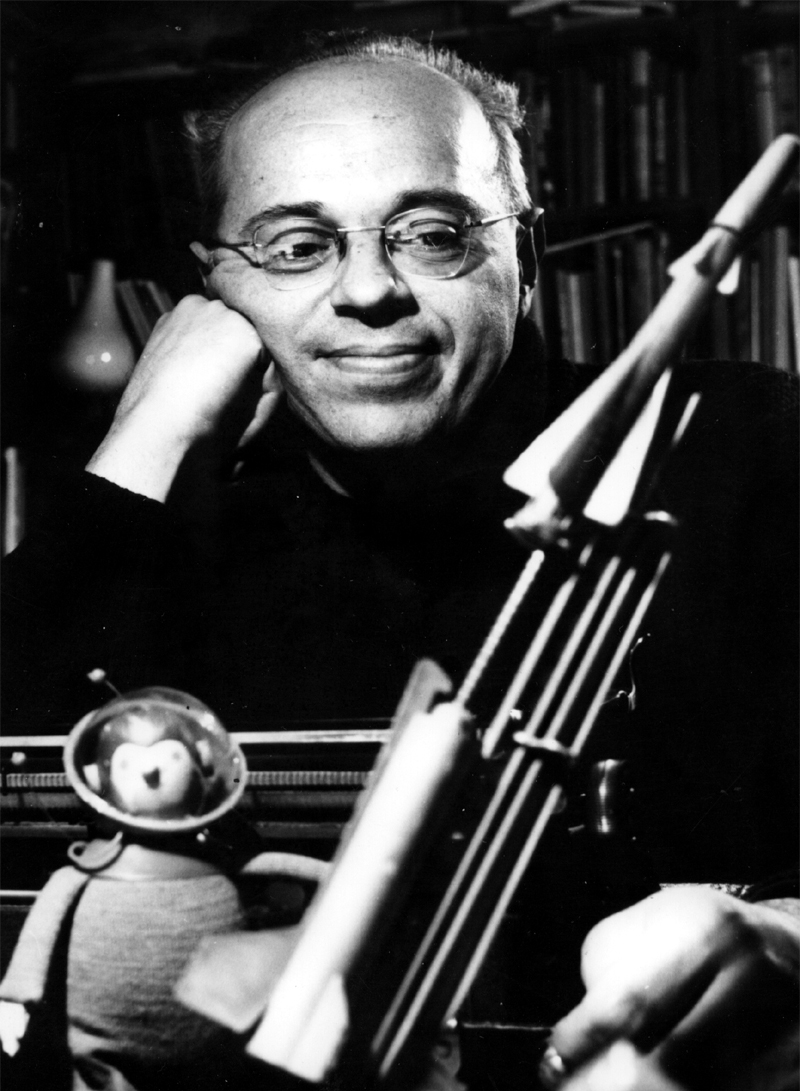 """Stanislaw Lem 2 """"Our Society Will Approach An 'Information Barrier'"""""""