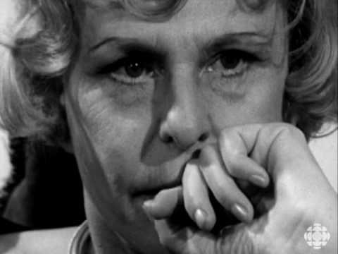 riefenstahl9 3 Videos: Leni Riefenstahl (1965), Alan Abel (1999), Gia Carangi & Francesco Scavullo (1978)